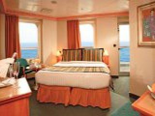 Описание на каюта Миниапартамент - категория MS на круизен кораб Costa MAGICA – обзавеждане, площ, разположение