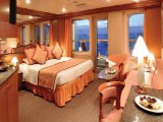 Описание на каюта Апартамент -  категория S на круизен кораб Costa MAGICA – обзавеждане, площ, разположение