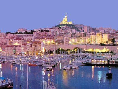 Описание и снимки на пристанище Марсилия, Франция от круизен маршрут