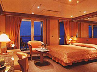 Описание на каюта Панорамен апартамент - категория PS на круизен кораб Costa MEDITERRANEA – обзавеждане, площ, разположение