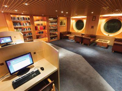 Круизен кораб Costa neoRIVIERA на COSTA Cruises