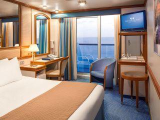 Описание на каюта Луксозни каюти с балкон на круизен кораб Crown Princess – обзавеждане, площ, разположение