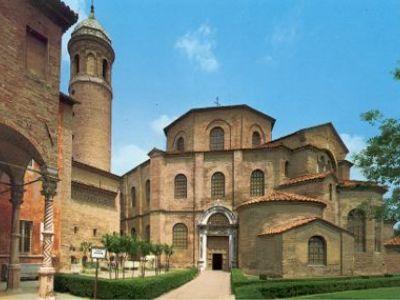 Описание и снимки на пристанище Равена, Италия от круизен маршрут