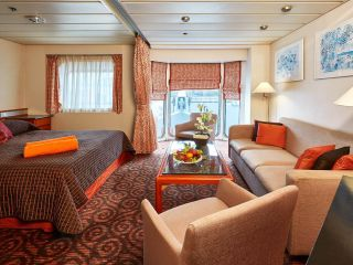 Описание на каюта Категория SJO - Junior Suite на круизен кораб Celestyal Majesty – обзавеждане, площ