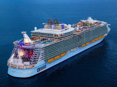 Круизен кораб Symphony of the seas на Royal Caribbean Intl.