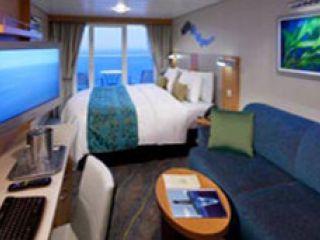 Описание на каюта Външни каюти с голям балкон на круизен кораб SYMPHONY of the seas – обзавеждане, площ