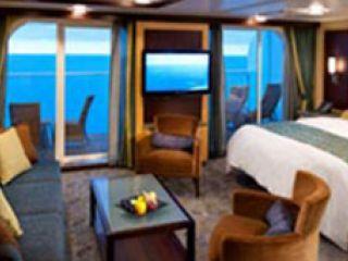 Описание на каюта Голям апартамент с една спалня на круизен кораб SYMPHONY of the seas – обзавеждане, площ