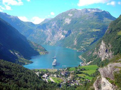 Описание и снимки на пристанище Хелесилт & Гейрангер, Норвегия от круизен маршрут