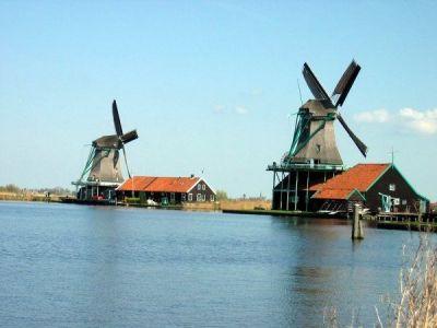 Описание и снимки на пристанище Еймойден (Амстердам), Холандия от круизен маршрут