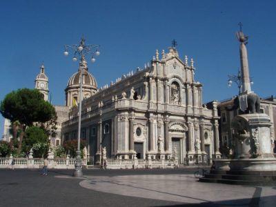 Описание и снимки на пристанище о-в Сицилия (Катания), Италия от круизен маршрут