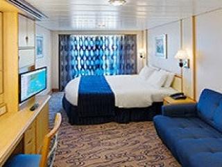 Описание на каюта Spacious Ocean View Balcony – категория 4B на круизен кораб VOYAGER of the seas – обзавеждане, площ