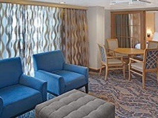 Описание на каюта Grand Suite - 2 Bedroom's – семеен апартамент, категория GT на круизен кораб VOYAGER of the seas – обзавеждане, площ
