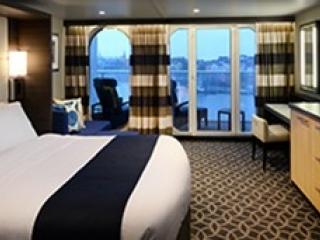 Описание на каюта Junior Suite – малък апартамент, категория JS на круизен кораб QUANTUM of the seas – обзавеждане, площ