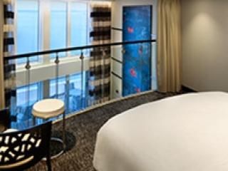 Описание на каюта Sky Loft Suite w/Balcony - категория SL на круизен кораб QUANTUM of the seas – обзавеждане, площ