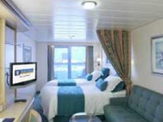 Описание на каюта Spacious Ocean View Balcony – категория 4B на круизен кораб INDEPENDENCE  of the seas – обзавеждане, площ