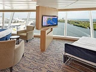 Описание на каюта Ocean View Panoramic Suite  - категория VP на круизен кораб INDEPENDENCE  of the seas – обзавеждане, площ
