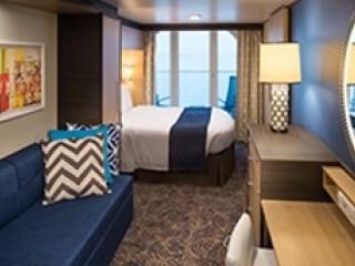 Описание на каюта Balcony Stateroom Guarantee - категория X на круизен кораб OVATION of the Seas – обзавеждане, площ