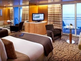 Описание на каюта Sky Suite - Апартамент – категории S2 на круизен кораб Celebrity Constellation – обзавеждане, площ