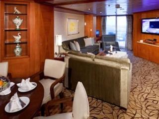 Описание на каюта Royal Suite - Кралски апартамент – категория RS на круизен кораб Celebrity Infinity – обзавеждане, площ