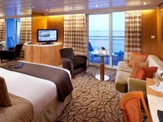 Описание на каюта Sky Suite - Апартамент – категории S2 на круизен кораб Celebrity Infinity – обзавеждане, площ