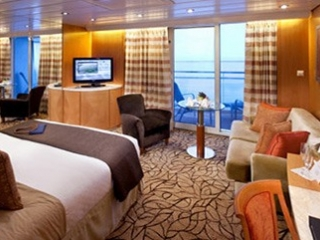 Описание на каюта Sky Suite - Апартамент – категории S1 на круизен кораб Celebrity Infinity – обзавеждане, площ