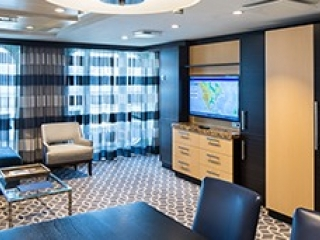 Описание на каюта Owner's Suite - 1 Bedroomy – луксозен апартамент, категория OS на круизен кораб SPECTRUM Of The Seas – обзавеждане, площ