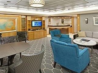 Описание на каюта Royal Suite with Balcony - Кралски апартамент - категория RS на круизен кораб MAJESTY of the seas – обзавеждане, площ