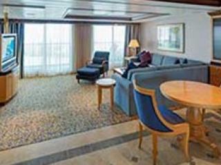 Описание на каюта Owner's Suite - 1 Bedroomy –  категория OS на круизен кораб SERENADE of the seas – обзавеждане, площ