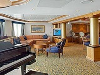 Описание на каюта Royal Suite with Balcony, категория RS на круизен кораб BRILLIANCE of the seas – обзавеждане, площ