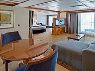 Описание на каюта Owner's Suite - 1 Bedroomy - категория OS на круизен кораб BRILLIANCE of the seas – обзавеждане, площ