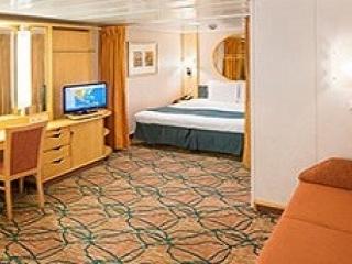 Описание на каюта Spacious Interior - категория 1R на круизен кораб ENCHANTMENT of the Seas – обзавеждане, площ