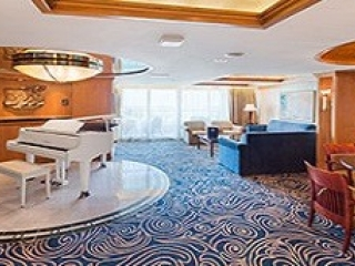 Описание на каюта Royal Suite with Balcony, категория RS на круизен кораб ENCHANTMENT of the Seas – обзавеждане, площ