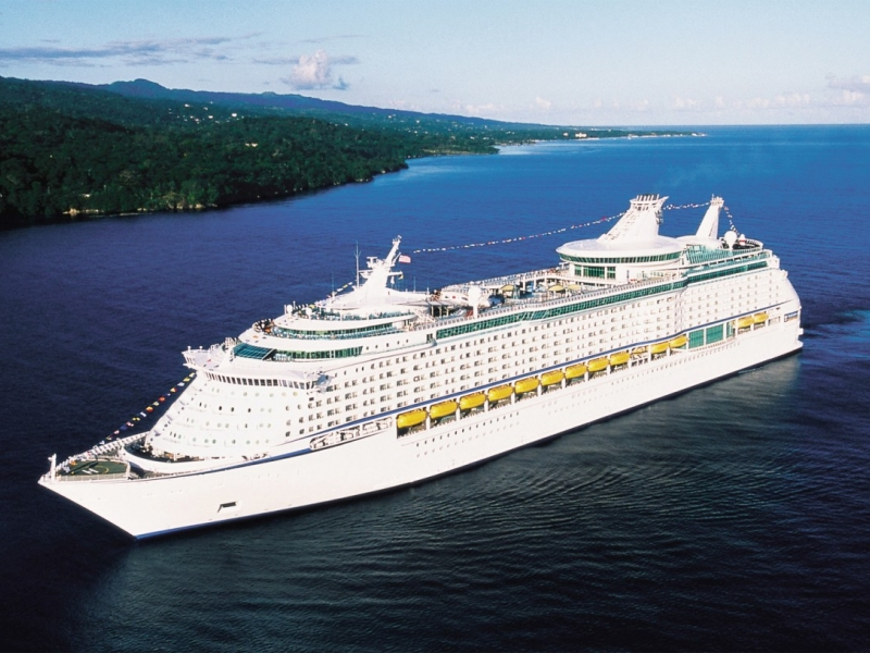 Круизен кораб EXPLORER Of The Seas  на Royal Caribbean Intl.