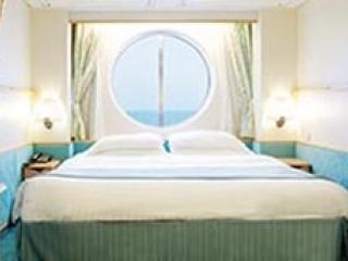 Описание на каюта Outside Guarantee - категория YO на круизен кораб EXPLORER Of The Seas  – обзавеждане, площ