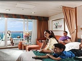 Описание на каюта Silver Junior Suite - Малък апартамент с балкон категория J4 на круизен кораб EXPLORER Of The Seas  – обзавеждане, площ