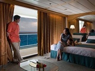 Описание на каюта Grand Suite - 1 Bedroom - Голям апартамент с една спалня - категория GS на круизен кораб EXPLORER Of The Seas  – обзавеждане, площ
