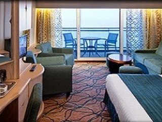 Описание на каюта Junior Suite - Малък апартамент с балкон категория J4 на круизен кораб RHAPSODY Of The Seas  – обзавеждане, площ
