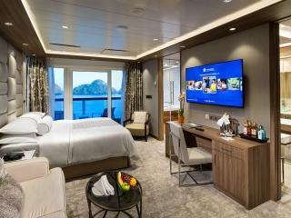 Описание на каюта Club Spa Suite - Спа апартамент - категория SP на круизен кораб Azamara Quest – обзавеждане, площ