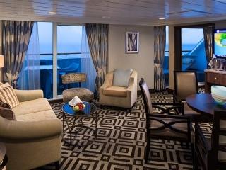 Описание на каюта Club Ocean Suite - категория CO на круизен кораб Azamara Quest – обзавеждане, площ