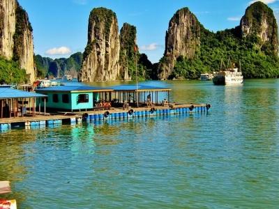 Описание и снимки на пристанище Халонг бей (Ханой), Виетнам от круизен маршрут