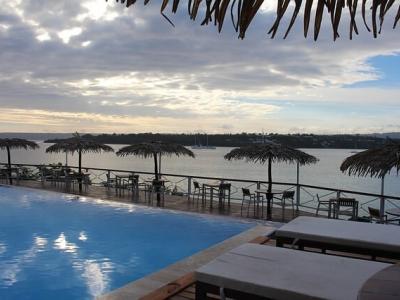 Описание и снимки на пристанище Луганвилл , Вануату от круизен маршрут