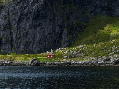 Описание и снимки на пристанище Сколден, Норвегия от круизен маршрут