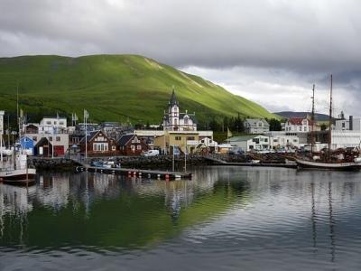 Описание и снимки на пристанище Хюсавик, Исландия от круизен маршрут