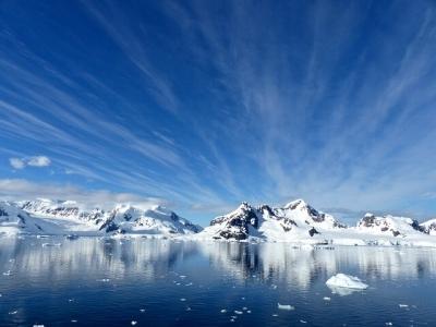 Описание и снимки на пристанище Парадайс Бей , Антарктика от круизен маршрут