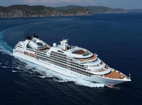 Круизен кораб Seabourn Encore на Seabourn