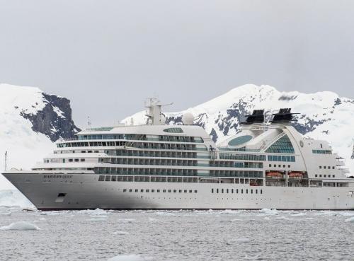Круизен кораб Seabourn Quest на Seabourn
