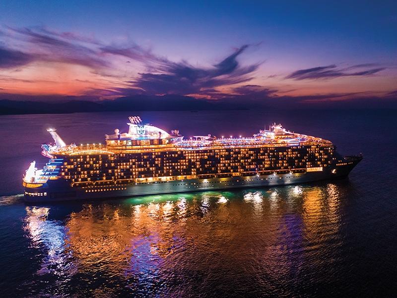 Круизен кораб HARMONY of the Seas на Royal Caribbean Intl.