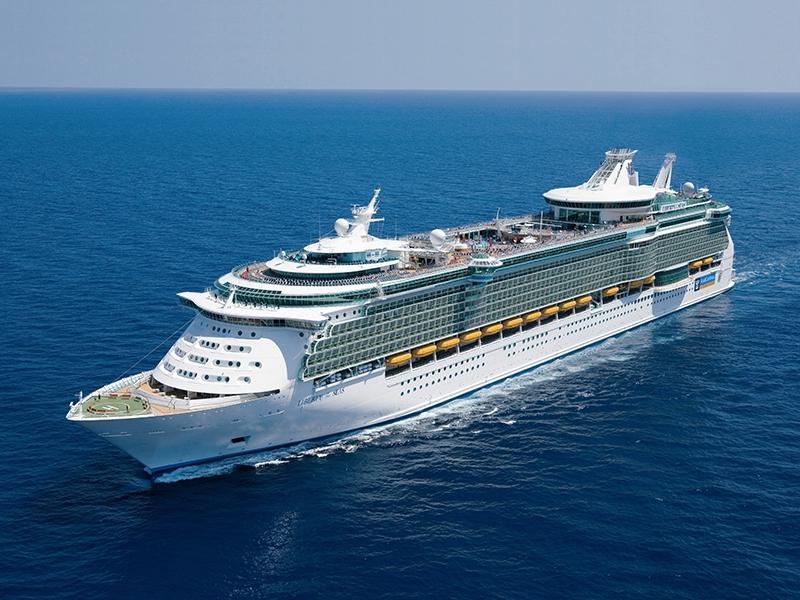 Круизен кораб LIBERTY of the Seas на Royal Caribbean Intl.