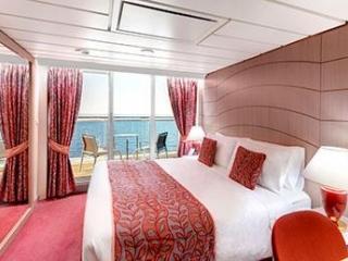 Описание на каюта Каюти с балкон – клас Aurea на круизен кораб MSC Opera – обзавеждане, площ