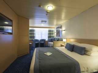 Описание на каюта Малък апартамент - Junior Suite - категория SJ на круизен кораб CELESTYAL Olympia – обзавеждане, площ